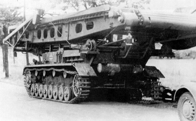 BRUCKENLEGER IV b - Carro gettaponte tedesco 111