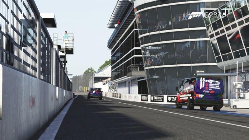 2° édition de l'ECC ( European Clio Cup ) Stands10