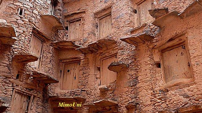 Amazigh - La technique des constructions de greniers imprenables berberes Amazigh Grenie14