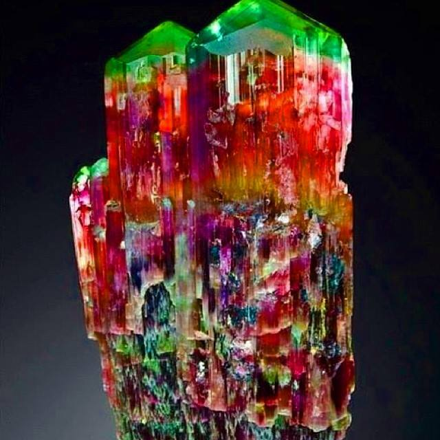 Sublimes photos de gemmes rares - Page 2 11889610