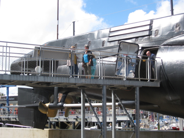 RN submarine museum - looking good! Img_4912