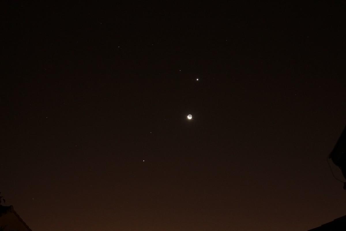 Lune et Venus au petit matin du 10/12/2012 Conjon11