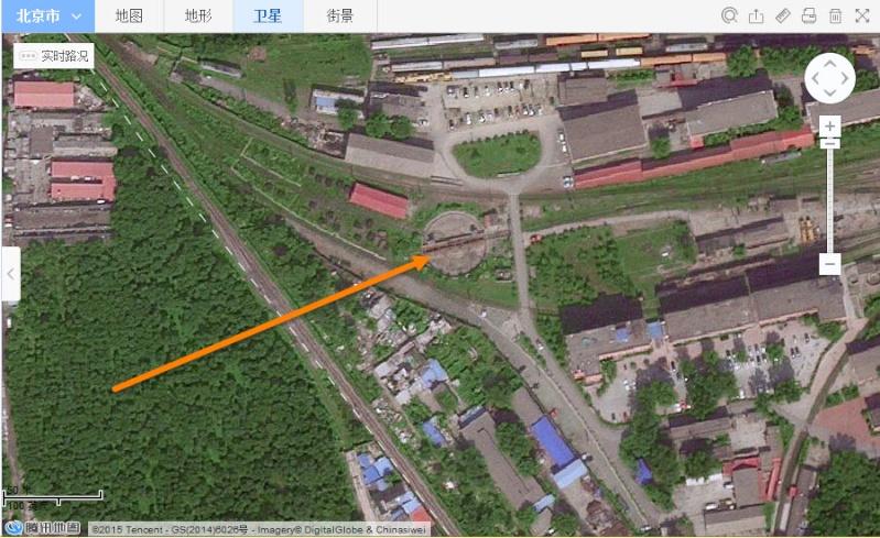 A la recherche des rotondes ferroviaires - Page 4 2015-114