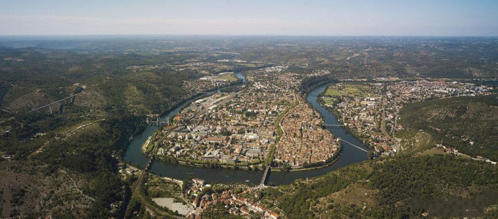 Les villes installées à l'abri d'un méandre Cahors10