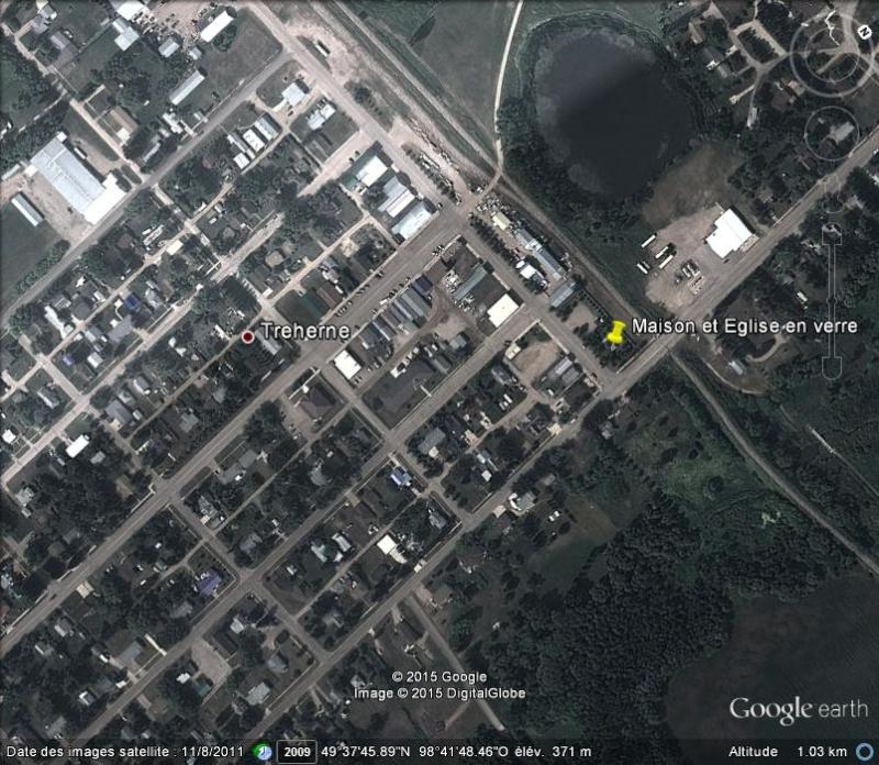 Maison et église construites en bouteilles - Treherne - Manitoba - Canada Ge_mai10