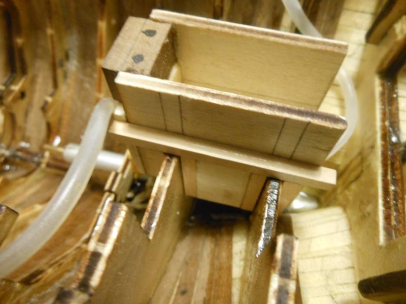 costruzione di goletta, liberamente ispirata a piroscafo cannoniera del XIX secolo - Pagina 6 Dscn4322