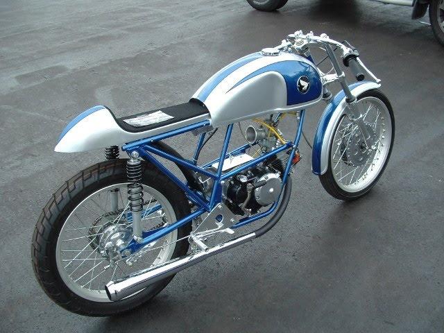 Les ptits moteurs... Honda_10