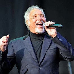 Sir Tom Jones.... Tom-jo10