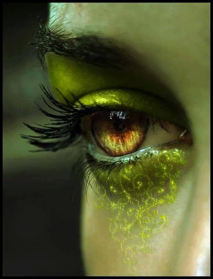 Les yeux ... - Page 3 12191013