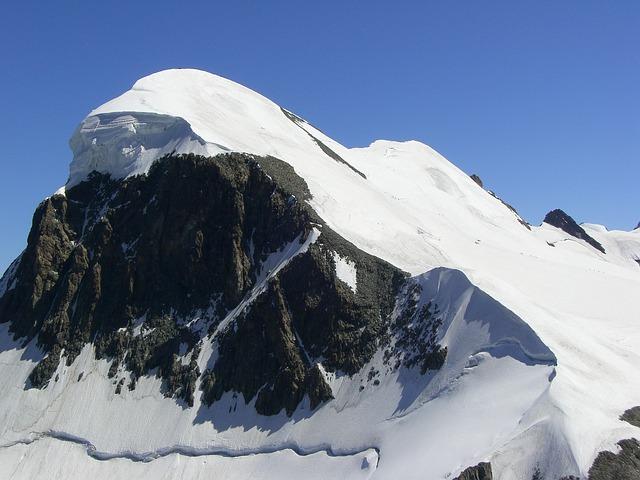 La neige en montagne ... B50110