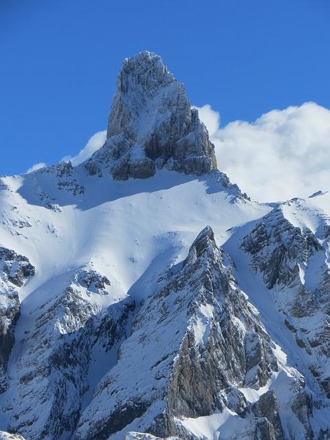 La neige en montagne ... B50410