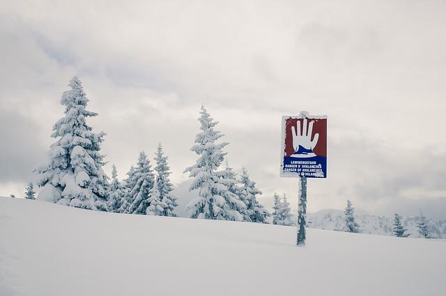 La neige en montagne ... B51510