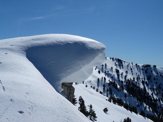 La neige en montagne ... B51810