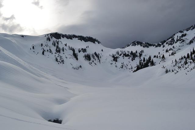 La neige en montagne ... B51910