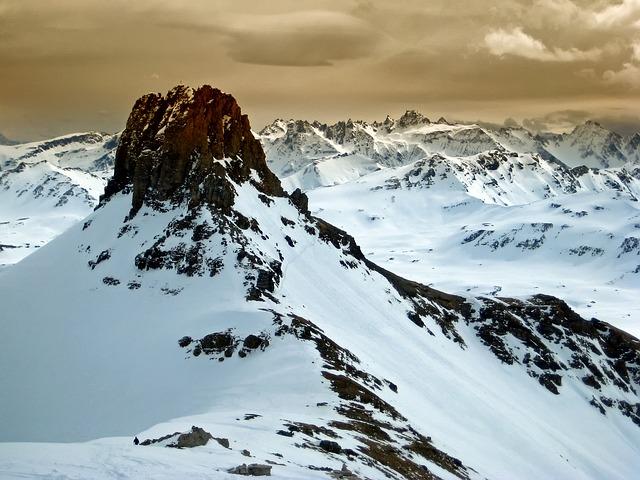 La neige en montagne ... B52310