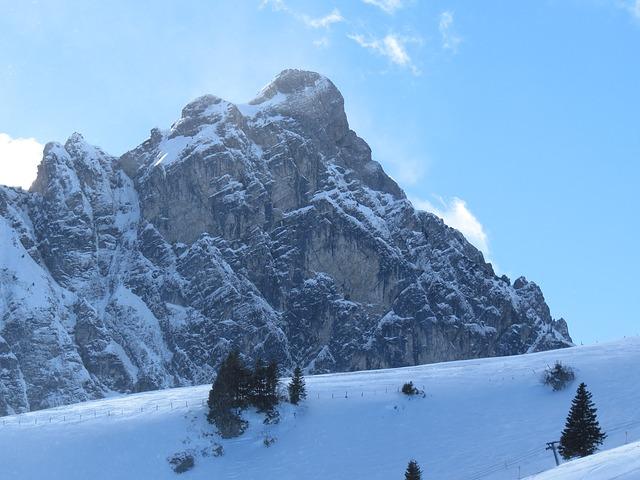 La neige en montagne ... B52610