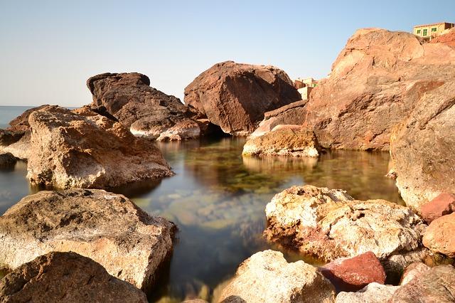 Les roches, les pierres ... D52810