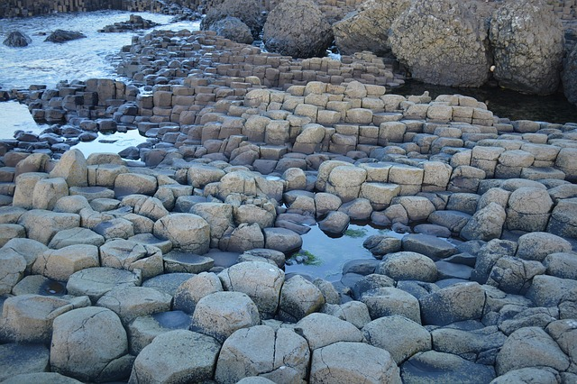 Les roches, les pierres ... - Page 2 D56010