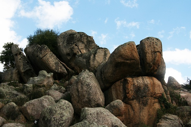 Les roches, les pierres ... - Page 2 D56110