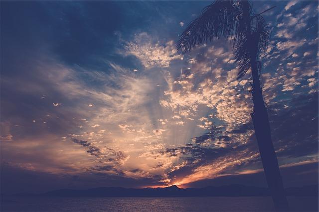 Les nuages  - Page 2 E18710