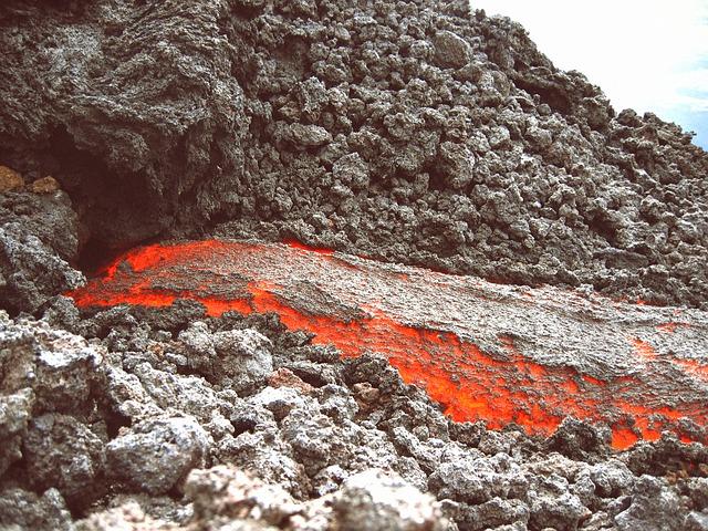 Volcans... E50610