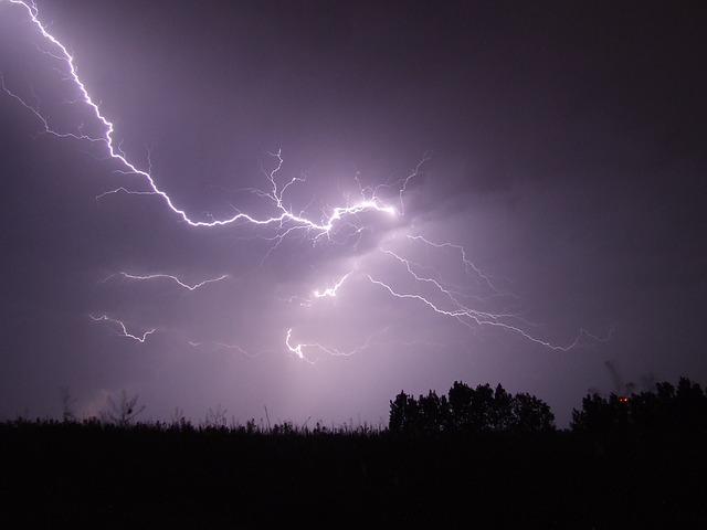 L'orage ~~ Les éclairs - Page 2 E55110