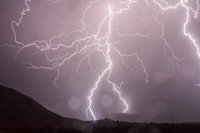 L'orage ~~ Les éclairs - Page 2 E55210