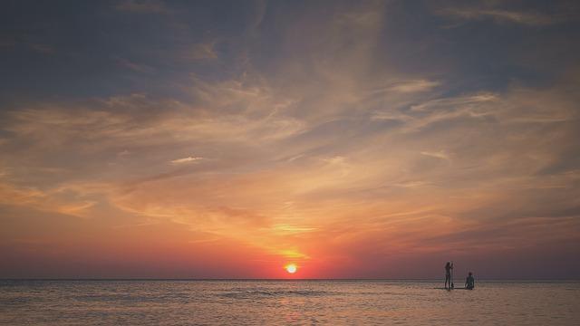 Images coucher de soleil - Page 3 L1010