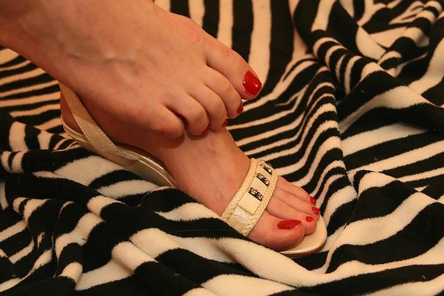 Les pieds  N2510