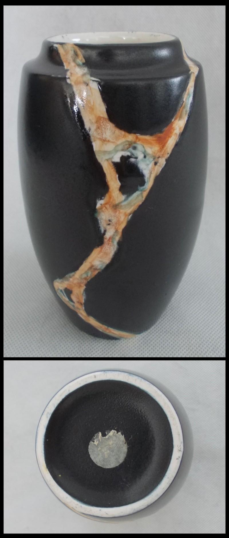 Titian black marble glaze vase for gallery Dscn7320