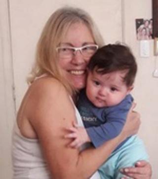 """""""Qué feliz te veo siendo abuela"""" Soneto dedicado a Inés Marucci Ines_c10"""