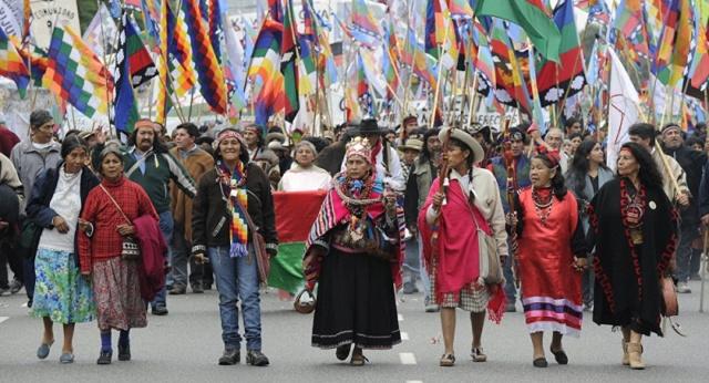 """""""Y aún hoy les niegan el pan y la sal de la vida"""" Dedicado a los pueblos indígenas de América  -Soneto alejandrino- Pueblo10"""