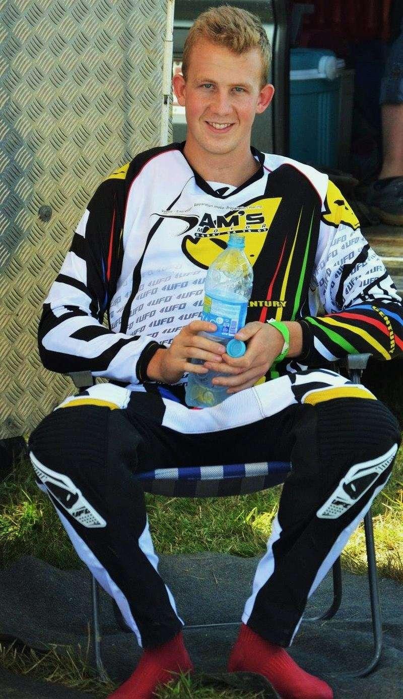 Motocross Wardin - 30 août 2015 ... - Page 2 11875010