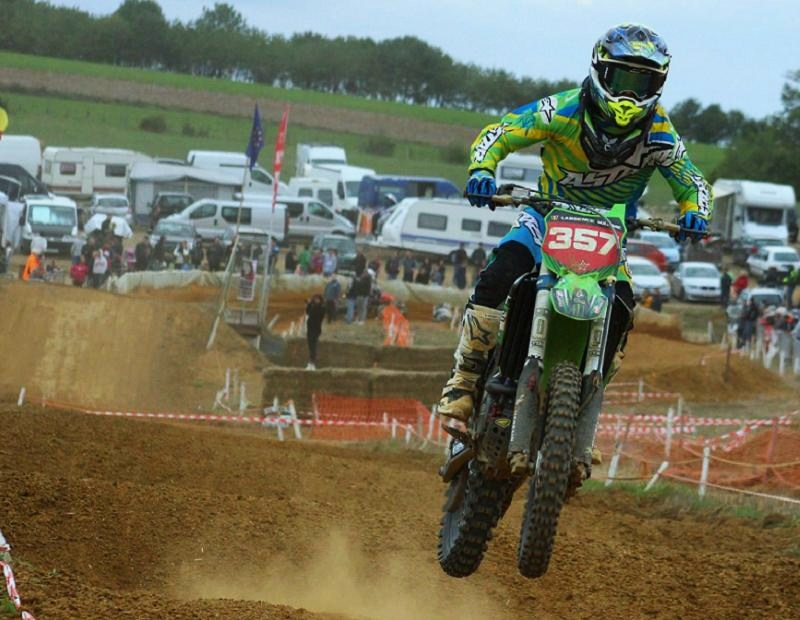 Motocross Willancourt - 4, 5 et 6 septembre 2015 ... - Page 8 11921711