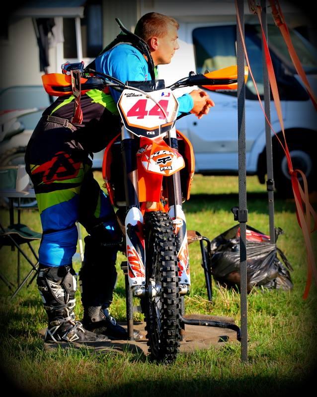 Motocross Wardin - 30 août 2015 ... - Page 4 11960111