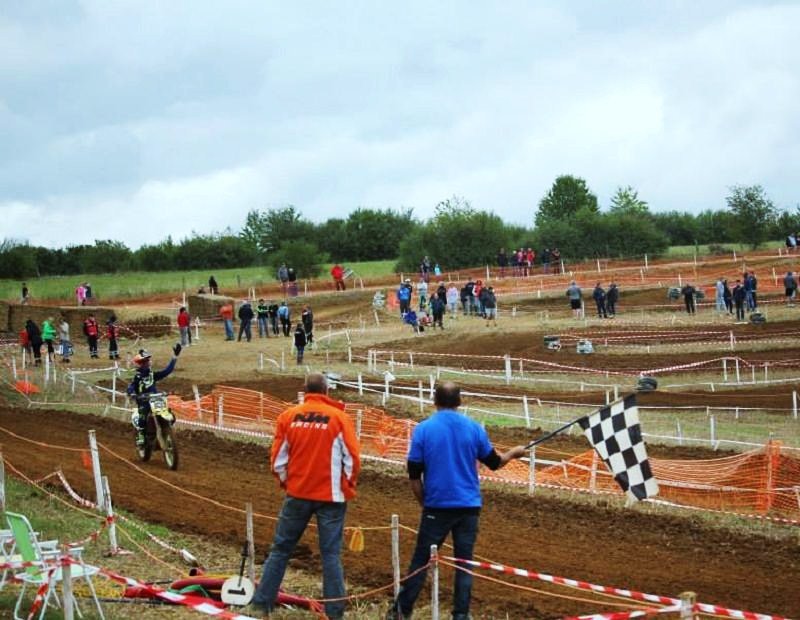 Motocross Willancourt - 4, 5 et 6 septembre 2015 ... - Page 5 11988312