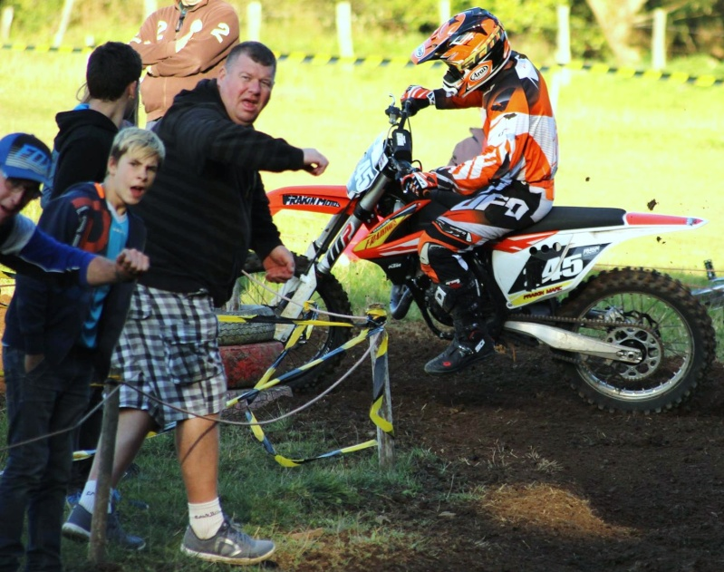 Motocross Moircy - 27 septembre 2015 ... - Page 10 12027318
