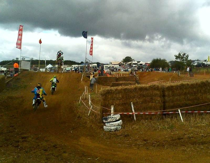 Motocross Willancourt - 4, 5 et 6 septembre 2015 ... - Page 2 712