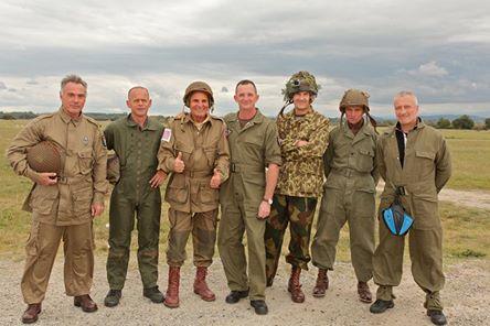 Saut à Pamiers pur quelques anciens avec l'association Airborne Center Aiborn10