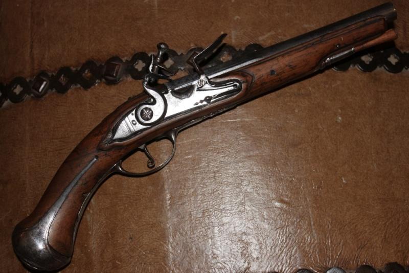 Besoin de vos avis / pistolet a silex dans le style 1733 Img_7510