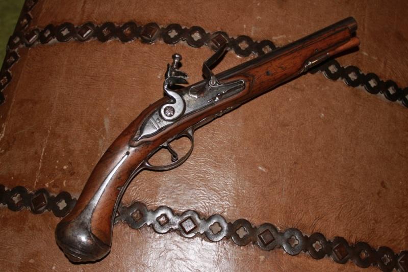 Besoin de vos avis / pistolet a silex dans le style 1733 Img_7511