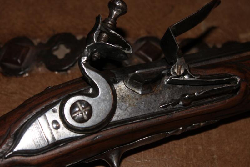 Besoin de vos avis / pistolet a silex dans le style 1733 Img_7514