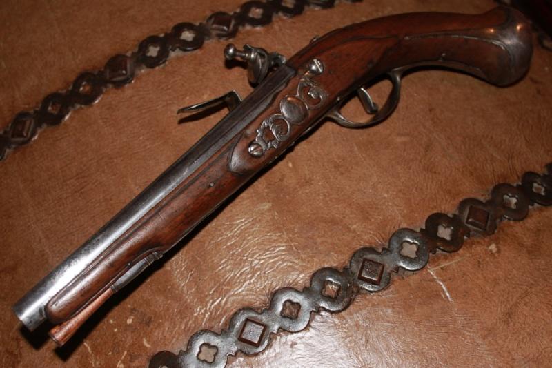 Besoin de vos avis / pistolet a silex dans le style 1733 Img_7517