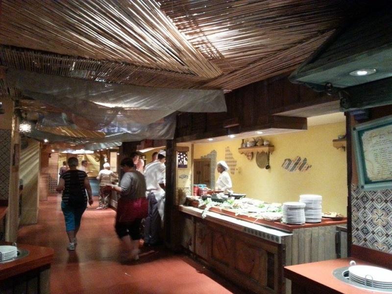 Agrabah Café Restaurant (carte p.26) - Page 23 11791710