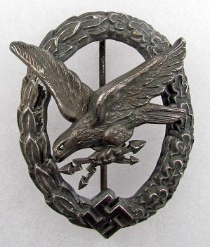 Ordres et décorations 18030110