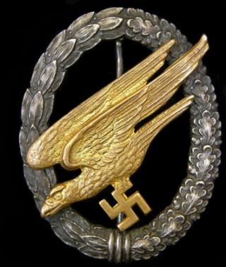 Ordres et décorations Jun20p10