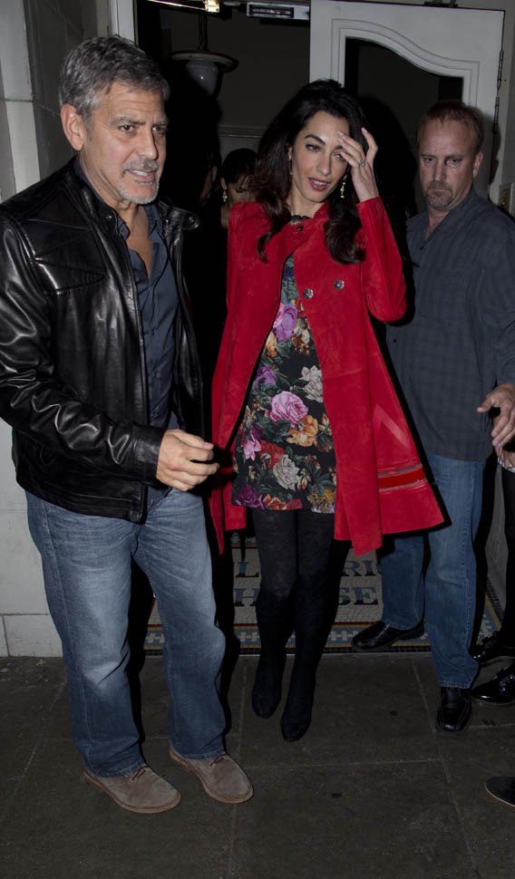 Triple date! George and Amal Clooney enjoy dinner with famous friends Matt Damon, Cindy Crawford and their significant others Oct 3, 2015 Zzzz10