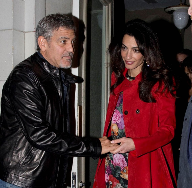 Triple date! George and Amal Clooney enjoy dinner with famous friends Matt Damon, Cindy Crawford and their significant others Oct 3, 2015 Zzzz310
