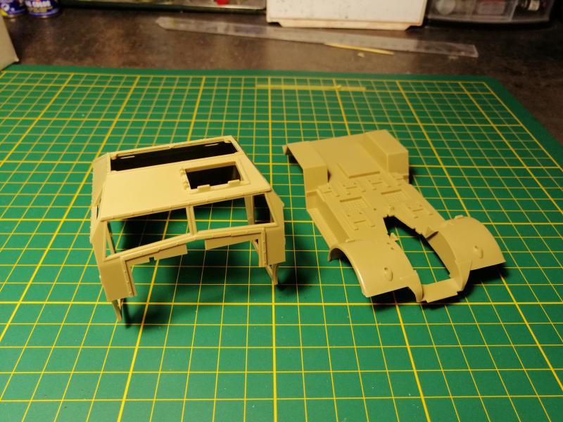 British 25 PDR. Field Gun & Quag Gun Tractor Canadian Ford F.G.T. Tamiya  1/35 1170