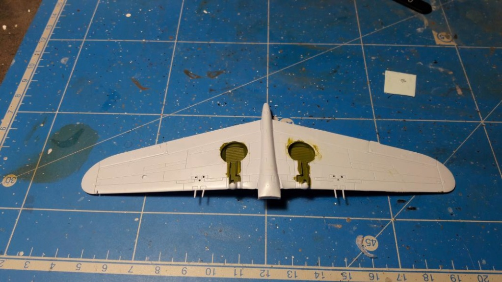 Curtiss Tomahawk Mk.IIB 1/72 de chez Airfix Avec son socle FINI!!!!!!! 1236